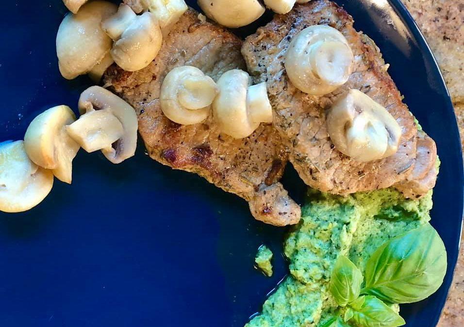 Przepis na keto schab z puree brokułowo-bazyliowym